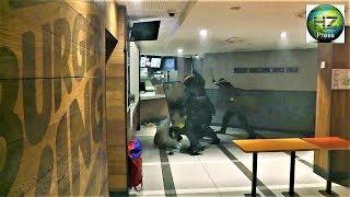 Des Gilets jaunes se font violemment matraquer dans un Burger King rue de Wagram - Paris -1 déc.2018