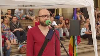 Antifa Homo proklamiert  Deutschland verrecke