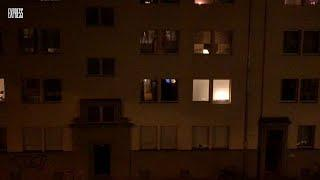 Kölner applaudieren von Balkonen zum Dank an Helfer der Corona-Krise