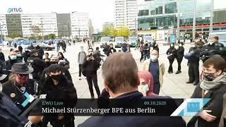Moslemin in Berlin hat kein Problem, Viertfrau zu sein