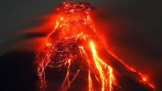 "The largest volcano in Eurasia has woken up. ""Klyuchevskaya Sopka"" exploded with lava flow"