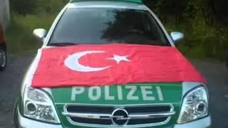Türke lässt POLIZEI-Auto abschleppen ☺   Spaßanruf