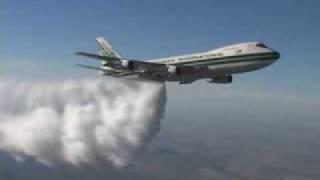 Flugzeug direkt beim Sprühen gefilmt !