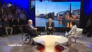 der kluge und besonnene Altkanzler Helmut Schmidt und Joachim Gauck im Gespräch