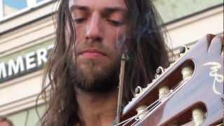 Erstklassiger Gitarrist ! Estas Tonne - The Song of the Golden Dragon - Stadtspektakel Landshut 2011