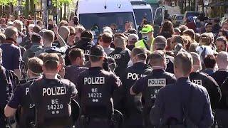 "Berlin: Polizei beendet vierte ""Hygiene""-Demo gegen Corona-Lockdown"