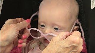 Sehen ist wundervoll - Baby sieht zum ersten Mal richtig