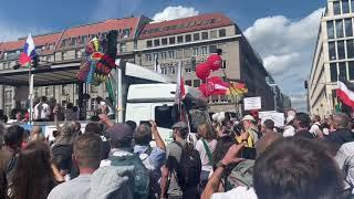 Live Berlin: Polizei stoppt Demo