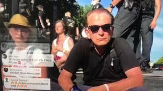 Rechtsanwalt mit Polizeigewalt von der Bühne gezerrt. Berlin Demo 1.8.2020