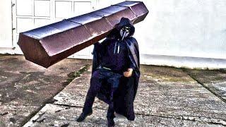 Beste 1-Mann-Demo aller Zeiten - CORONA grassiert in der Stadt - Bringt eure Toten raus!!!