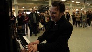 Bester Klavierspieler - Boogie Woogie - und ein paar Scheintote
