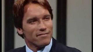 Freimaurer-Handschlag !  Thomas Gottschalk im Gespräch mit Arnold Schwarzenegger 1985