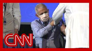 Fake-Impfungen - See what Dr. Fauci had to say right before receiving vaccine