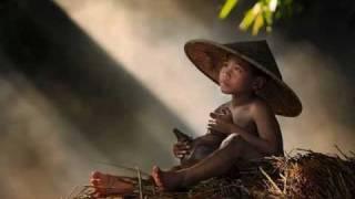 Kinder der Welt (in Armut geboren....)Soy pan, soy paz, soy más... Mercedes Sosa (Piero)
