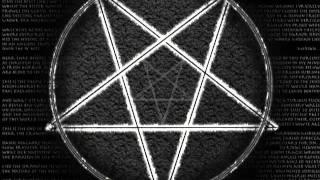 Mädchen 17 Jahre alt spricht über satanische Rituale