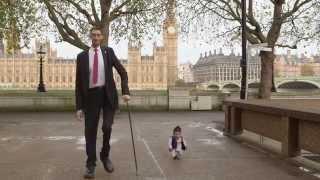 World's tallest man meets world's shortest in London