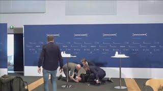 Dänemark: Pressekonferenz von Ohnmachtsanfall überschattet
