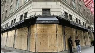 """""""Ghost Town"""": Shocking Dystopian Video Of NYC Shows An Abandoned And Boarded Up 5th Avenue"""