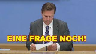 Sieht Merkels Sprecher fremd? Verdächtige Aussagen zu Impfung und Medien auf  Bundespressekonferenz