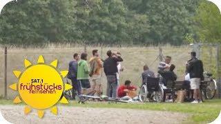 1300 Flüchtlinge im Dorf: Anwohner sind genervt | SAT.1 Frühstücksfernsehen | TV