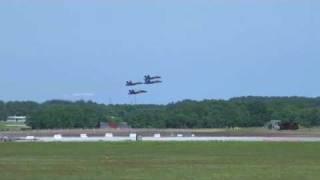 Flugshow wird gefilmt, dabei auch ein UFO