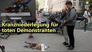 Kranzniederlegung für toten Demonstrant Sascha (49)