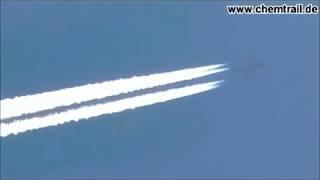 Weisse Kugel - UFO fliegt mit Chemtrail-Fliegern mit !