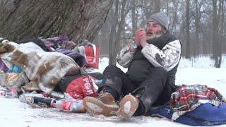 Obdachlose in der Kälte - Bei minus 14 Grad nachts im Schlafsack | BR24