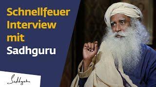 """""""Schnellfeuer Interview"""" mit Sadhguru"""