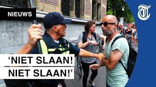 Demonstranten gehen in Den Haag auf Polizei-Agenten los - Provokateure